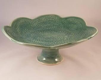 Pedestal dish