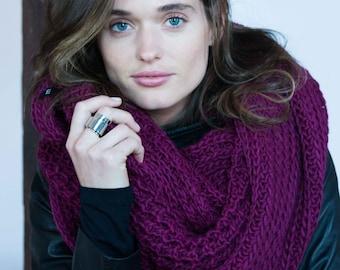 NEW Infinity Scarf / Chunky Knit Scarf / Winter Shawl / Loop Scarf / Stocking Stuffer / Christmas Present / marcellamoda k - MA402