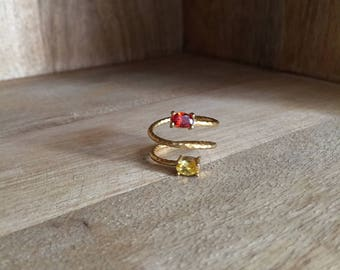 Hammered Triple ring / Gold plated / Red jade / Yellow chalcedony