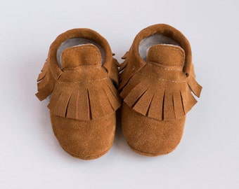 Brown suede fringe moccasins with fur lining  Infant, newborn, toddler shoes