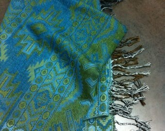 Vintage Womens Scarf - Turquoise and Green Shawl - Aztec Design - Fringed Wrap