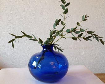 Blue glass vase / blue glass vase