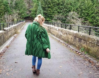 Knitted cardigan lalo/ Fashion cardigan/ Green cardigan/Hand knitted cardigan/Chunky oversized/Lalo style/Oversized