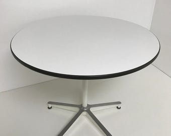 Eames for Herman Miller 650 dining table, rare 5 leg base same as Eames lounge