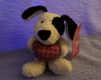 Russ Terrycloth Dog plush holding a red Heart Cream & Black NWWT  7""