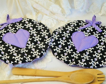 Crossbones Potholders/Skulls and Hearts Potholder Set/Purple and Black Potholders/Handmade Quilted Potholders/Large Potholders/Hot Mat Skull