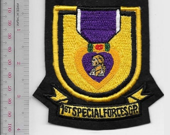 Green Beret US Army Okinawa 1st Special Forces Group Flash Purple Heart Medal sm