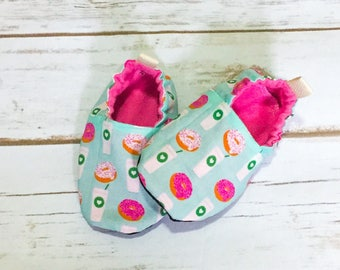 Latte shoes, cloth shoes, baby booties, slippers, crib shoes, baby coffee shoes, baby girl shoes, teal latte booties, pink donut booties
