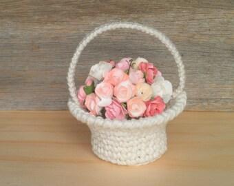 Miniature Basket with a Handle, Miniature Crochet Basket, Flower Basket/Fruit Basket/Knitting Basket/Easter Basket for dolls, Gift for Women