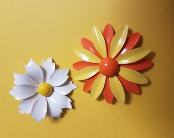 Yellow and orange enamel flower brooch mod 60's set of two