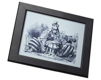 Alice in Wonderland Framed Genuine Postcard Red Queen and White Queen Frame, XS249