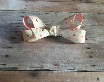 Triangle boutique bow
