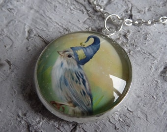 bird with sleepy hat - cabochon necklace