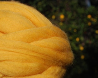 Chunky knit. Yarn 100% organic. 21 micron. Merino Wool  (1.1 lb). Natural material. Bulky yarn. Giant knit. Hypoallergenic wool.