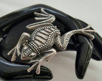 Detailed Frog Pin