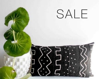 "Sale! Linework Mudcloth Pillow Cover | 12"" x 24"""