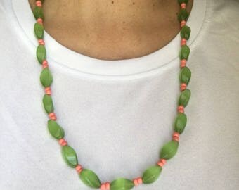 Spring beaded necklace