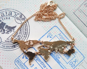 World map travel necklace - gold colored - Wanderlust - travel gift - globetrotter - explore - adventure!