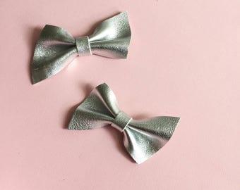 Baby bow - Bow hair clip - Bow - Leather bow - Hair accessories - Hair clips
