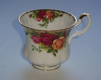 Royal Albert OLD COUNTRY ROSES Orphan Demitasse Cup