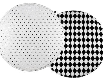 Padded Play Mat / Monochrome Baby Playmat / Round Play Mat / Black And White Nursery / Kids Rug / Handmade Baby Rug /Baby Playmat / Baby Rug