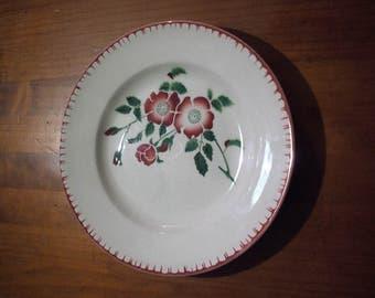 "Dish ""Sarreguemines"", Burgundy flowers scenery"
