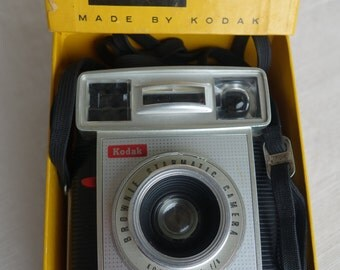 Kodak Brownie Starmatic Camera original box 1959