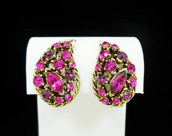 Pink Rhinestone Clip Earrings, Vintage Clip On Earrings, Rhinestone Clip Earrings, Pink Clip On Earrings, Costume Jewelry, C1960s