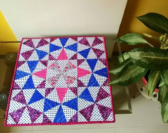Tabel runners. Pot holder. Patchwork quilt. Mini quilt. Purple wall hanging. Quilted wall hanging. Modern wall hanging. Kaleidoscope quilt.