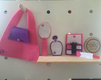 Beauty Bag Playset, kids beauty set, kids makeup set, pretend makeup, pretend play, girls makeup bag, girls makeup set, girls beauty set