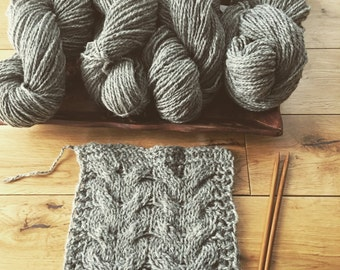 450g100%sheep eco wool yarn.4 skeins.Natural grey untreated with any chemicals.Wool can be dyed,felted.DIY. Home decor