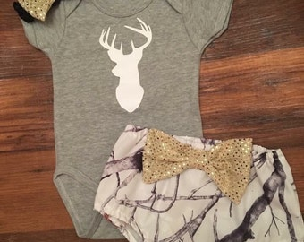 Camo deer silhouette outfit