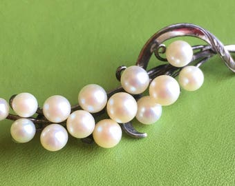 Gorgeous Sterling Silver and Pearl Brooch