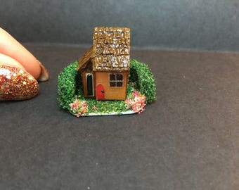 Miniature micro scale dolls house for a dollhouse for 1/12 1/24 1/48th scale house