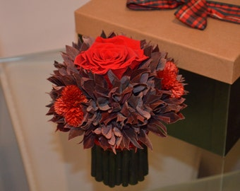 Small preserved rose bouquet