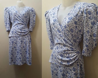 1980s Floral Dress / 80s/90s Blue and White Floral Body Con Dress