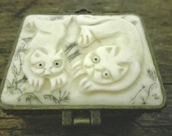 Small box pillbox, lovely inlaid, vintage box, pillbox
