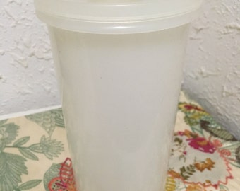 Vintage Tupperware Canaster With Pour Spout