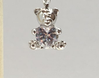 925 Sterling Silver Teady Bear With A Heart Shapped Cubic Zirconia Crystal Pendant