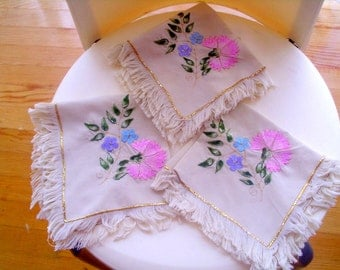 Natural fabric linen napkin set hand craft flowers embroidered fringed edge
