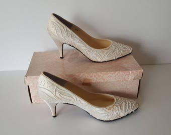 Vintage Impo Beaded White Stain Bridal Pumps, Size 8AA, Circa 1980