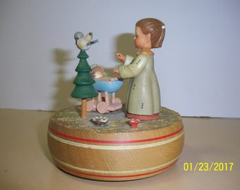 "Music Box - Anri Thorens ""Born Free"" Girl Made in Switzerland"