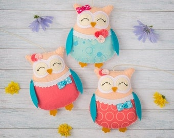 Cute animals Nursery decor Stuffed owls Nursery mobile Aqua pink Coral ornaments Owl baby shower Baby girl gift Birthday decor Turquoise