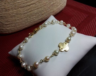 Fresh Water Pearls and Clover Bracelet