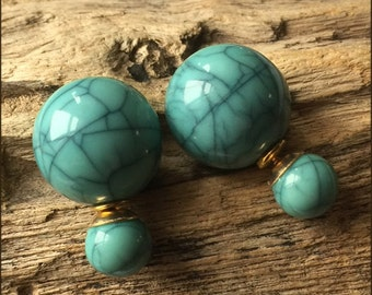 Turquoise double tribal earrings with celadon colour marble finish, French style , boucles d'oreilles doubles finition celadon turquoise