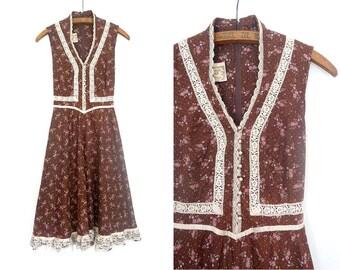Gunne Sax Dress Jessica McClintock Boho Dress / Prairie Dress / Vintage 70s Boho cotton and lace Floral dress