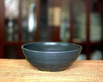 Medium ceramic serving bowl - blue ceramic serving bowl - pottery serving bowl - handmade serving bowl