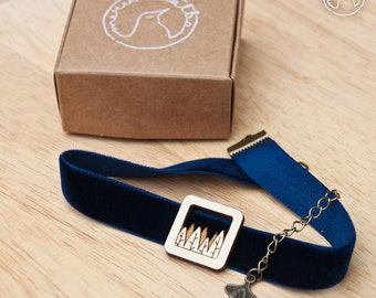 Velvet choker with wooden forest pendant / badge - laser-cut - in black, navy and wine red