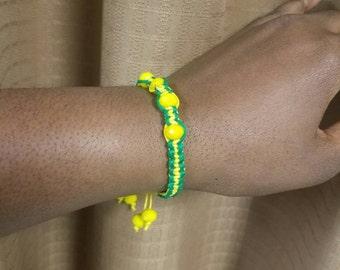 Adjustable hemp bracelet (macrame)