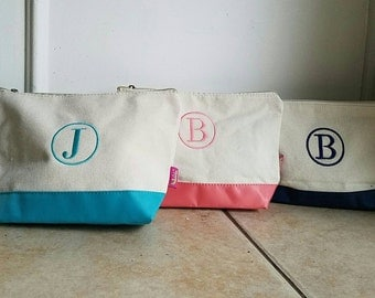 Monogrammed make up bag, personalized cosmetic case, Canvas make up bag-Monogrammed toiletry bag